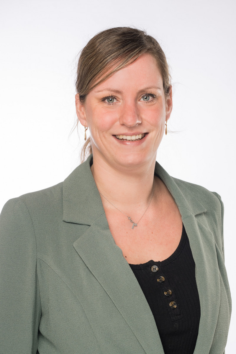 Portretfoto van medewerker Kim van Meegdenburg