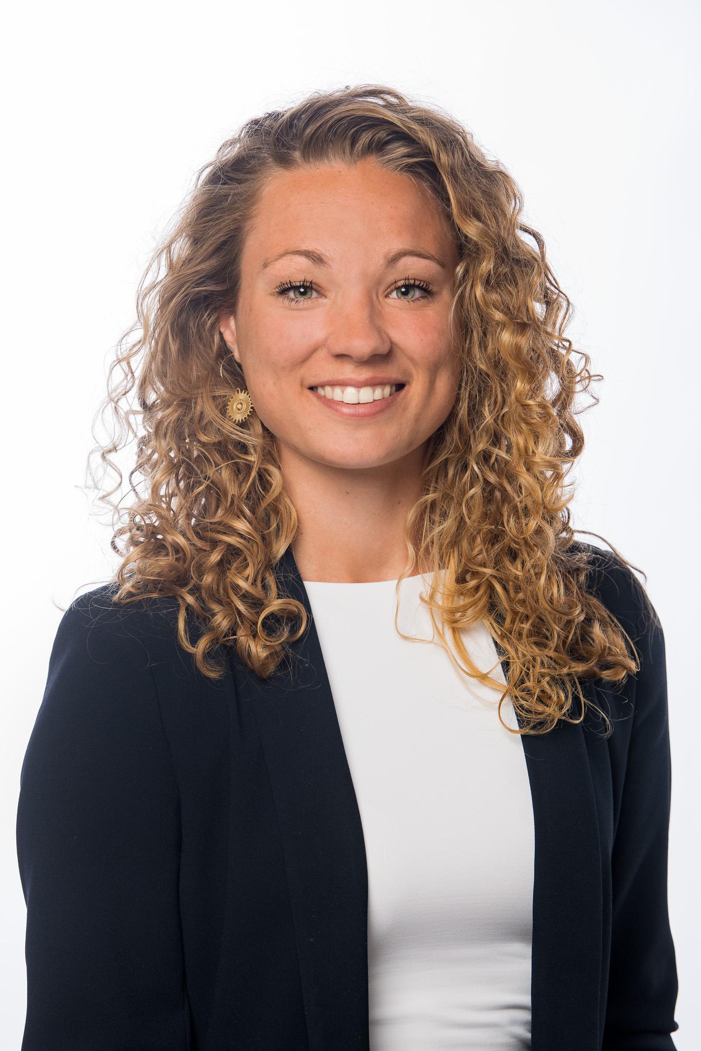 Portretfoto van medewerker Eva D'Hooghe