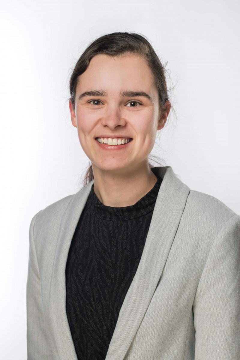 Portretfoto van medewerker Nadine Visser